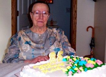mamaw's 85 - cake